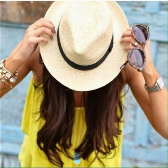 Karis' Kloset Accessories - FLASH SALE! 🎀 | Light Chic Straw Fedora